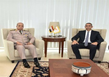 وزير الدفاع المصري ينهي زيارة لقبرص.. والغاز على الطاولة