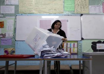 قيس سعيد يتصدر المؤهلين لخوض إعادة رئاسيات تونس
