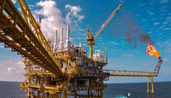 تراجع أسعار النفط بسبب الحرب التجارية بين أمريكا والصين