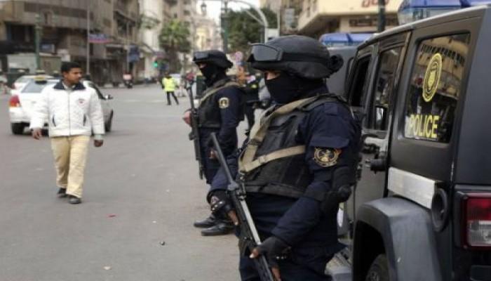هدوء حذر بمصر وسط تشديدات أمنية وغياب للأوامر الرئاسية