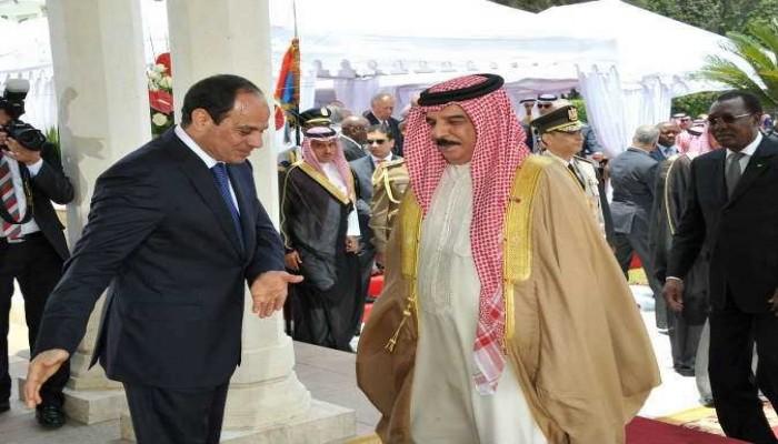 ملك البحرين والسيسي يبحثان هاتفيا تطورات المنطقة