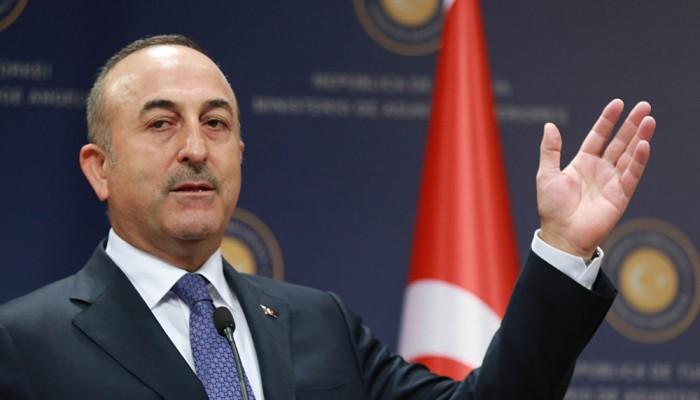 جاويش أوغلو: ماكرون تجاوز حدوده بتطاوله على تركيا