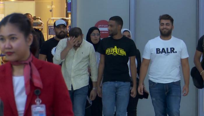 فيديو.. عودة الكويتيين المحتجزين في قبرص إلى بلادهم