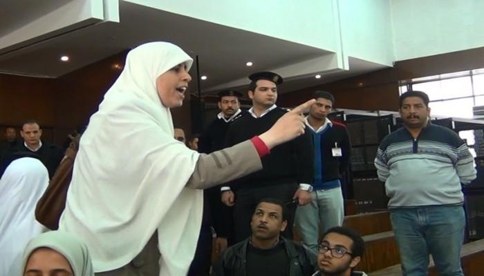 تدهور صحة عائشة الشاطر ونقلها لمستشفى السجن