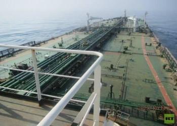 الصور الأولى لناقلة النفط الإيرانية قبل انفجارها بالبحر الأحمر