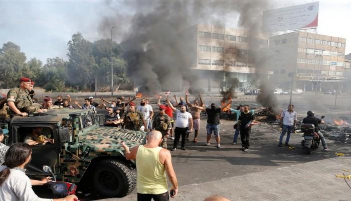 الحريري يدعو لحفظ استقرار لبنان وفتح طرقات يغلقها المحتجون