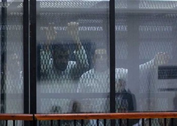 تخفيف حكم إعدام 6 مصريين وتغليظ عقوبة مراهق