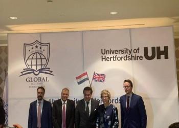 أكاديميون ينددون بافتتاح فروع لجامعات بريطانية بمصر