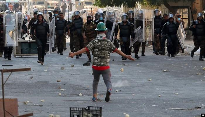 4 قتلى بين المتظاهرين ومحاولات لقطع جسور في بغداد
