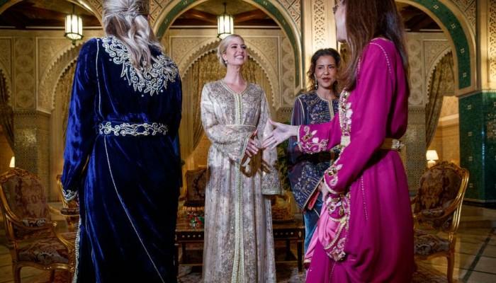 إيفانكا ترامب تلفت الأنظار بالأزياء المغربية (صور)