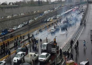 إيران.. اعتقال قادة احتجاجات في مشهد و60 محتجا بساري