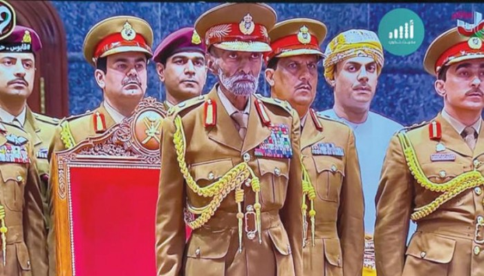 ظهور نادر للسلطان قابوس في احتفالات عمان بعيدها الـ49