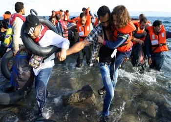 قبرص توقف 122 مهاجرا في قارب أغلبهم سوريون