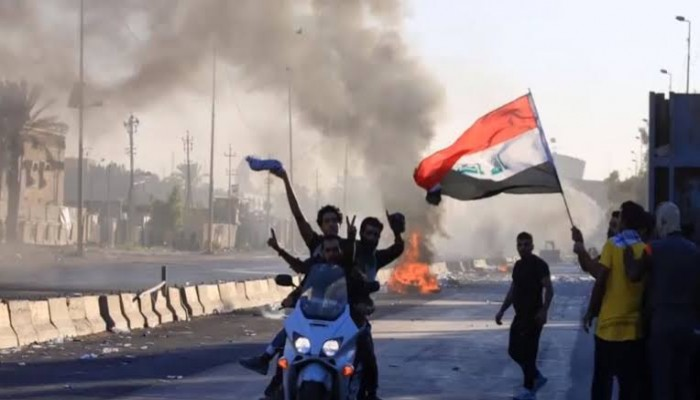 الأمن العراقي يعيد فتح ميناء أم قصر ويفرق المحتجين