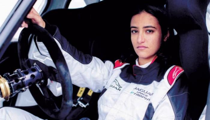 ريما الجفالي.. أول سعودية تشارك في سباق سيارات بالمملكة (صور)