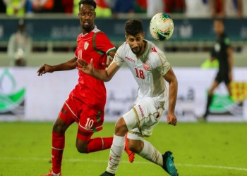 عمان تستهل الدفاع عن اللقب الخليجي بتعادل سلبي مع البحرين