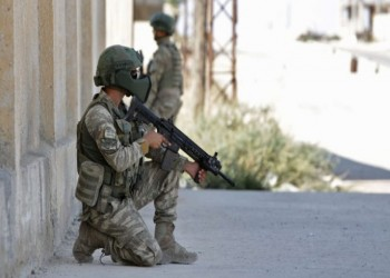 مقتل جنديين تركيين في هجوم بالهاون قرب الحدود السورية