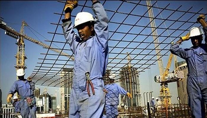 مسؤولة أممية: العمال الأجانب في قطر يعانون من التمييز العرقي