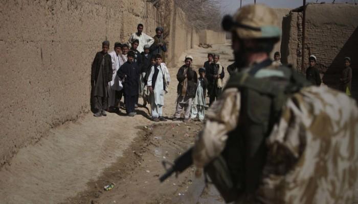 ماذا نعرف عن التاريخ المظلم للتدخلات العسكرية البريطانية في الشرق الأوسط؟