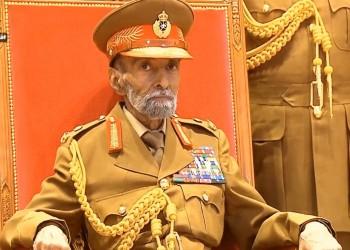 السلطان قابوس يعود إلى عمان بعد رحلة علاجية في بلجيكا