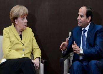 السيسي وميركل يتفقان على وضع حد للتدخلات الخارجية بليبيا