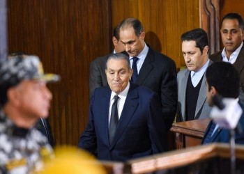 محكمة مصرية ترفض سحب الأوسمة والنياشين من حسني مبارك