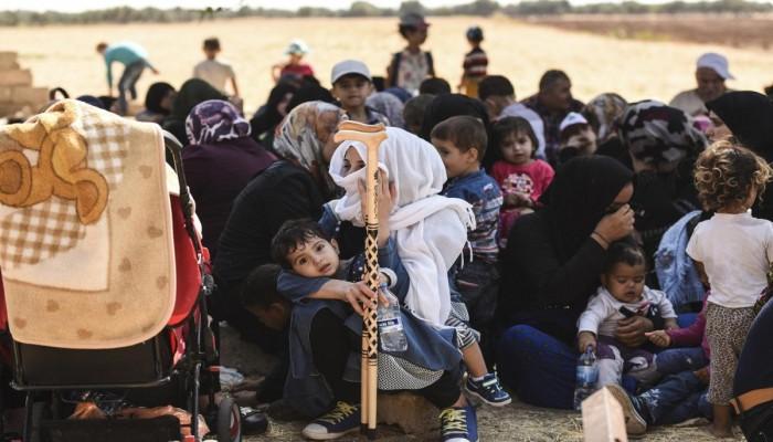ديلي تليجراف: ظروف بالغة القسوة يعيشها نازحو إدلب