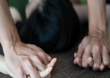مقيمة أسيوية تتهم سفير بلادها في الكويت بمحاولة اغتصابها بمكتبه