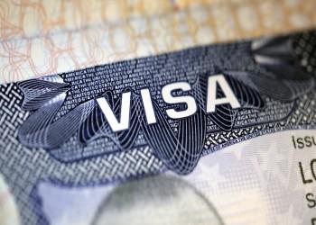 بوليتيكو: ترامب يدرس توسيع حظر السفر خلال الأيام المقبلة