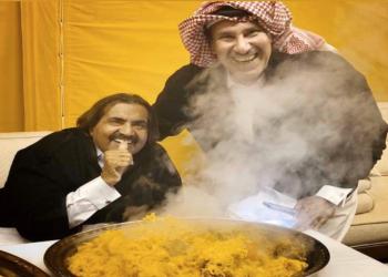 حمد بن جاسم يطهو للأمير الوالد.. صور تثير تفاعلا على تويتر
