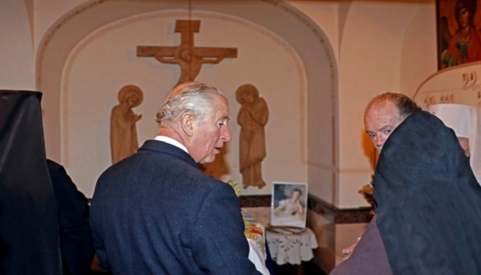 الأمير تشارلز يزور قبر جدته بالقدس ويدعو للسلام في الشرق الأوسط