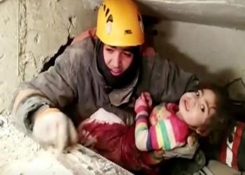 إنقاذ طفلة تركية من تحت الأنقاض بعد 28 ساعة من الزلزال
