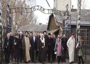 """""""علماء المسلمين"""" يندد بزيارة وفد الرابطة لمعسكر الاعتقال النازي"""