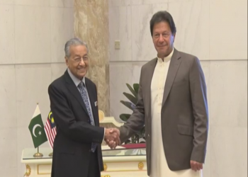 رئيس الوزراء الباكستاني يتأسف لعدم مشاركته بقمة كوالالمبور