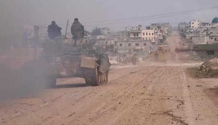قوات خاصة تركية تساندها دبابات تشارك بالعملية العسكرية في إدلب