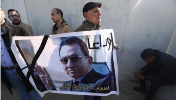 انتحار شاب مصري حزنا على وفاة مبارك