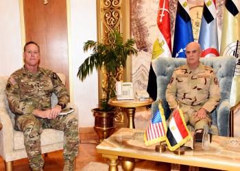 رئيس الأركان المصري يلتقي قائد قيادة العمليات الخاصة المشتركة الأمريكية