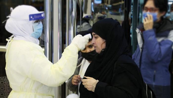السعودية تسجل ثاني إصابة بكورونا.. والعدد يرتفع في الإمارات إلى 28