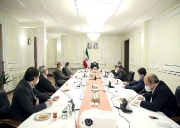 كورونا يبرز صراع إيران الداخلي حول علاقتها بالعالم