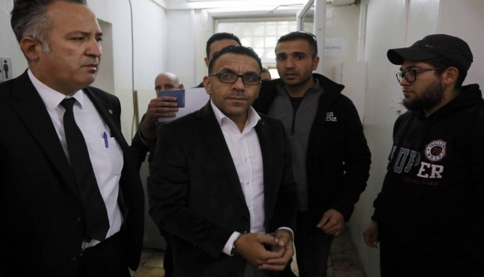 الاحتلال الإسرائيلي يعتقل محافظ القدس من منزله