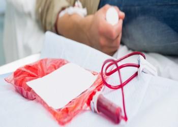 كورونا يطلق حملات تبرع بالدم لتناقص مخزونه بمستشفيات مصر