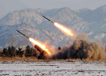 صحيفة: إيران تضع صواريخها بحالة تأهب قبالة مضيق هرمز (فيديو)