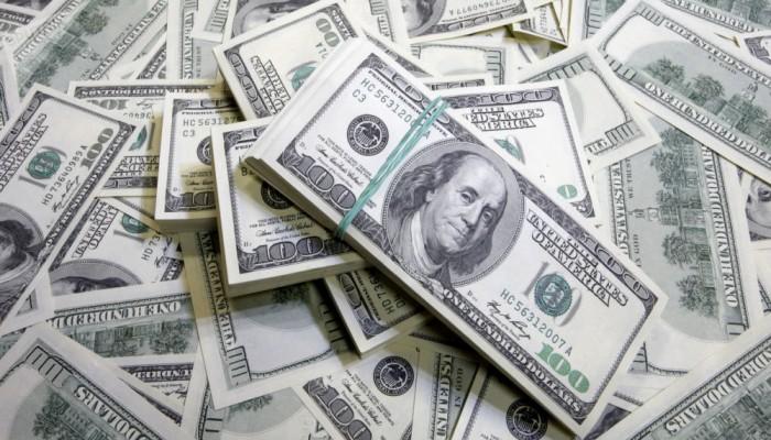 فورين أفيرز: هكذا يبدو مستقبل الدولار بعد كورونا