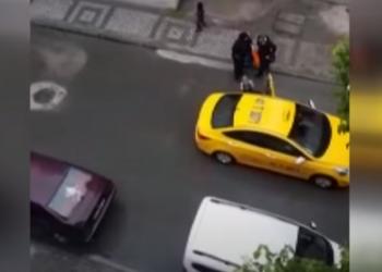 الإقامة الجبرية لسائق تركي طرد امرأة سورية حامل من سيارته