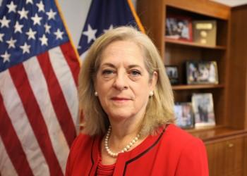 السفيرة الأمريكية: سنواصل التعاون مع الكويت للحفاظ على الأمن والاستقرار
