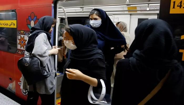 إصابات كورونا تواصل الارتفاع في إيران والوفيات تتجاوز 9 آلاف