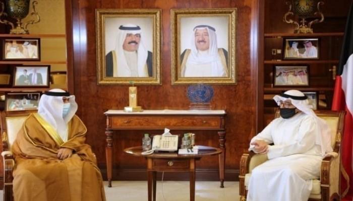 الخارجية الكويتية تنفي طلبها نقل سفير الإمارات لديها