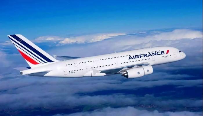 إير فرانس للطيران تعتزم تسريح 7500 موظف