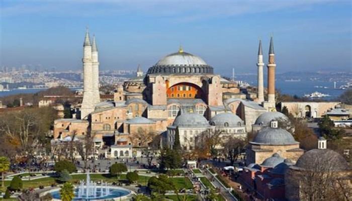 بالأسماء.. مساجد تاريخية جرى تحويلها إلى كنائس والعكس
