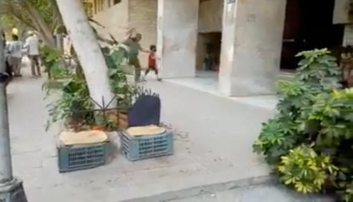 الشيال الكفيف يثير تعاطفا واسعا في مصر (فيديو)
